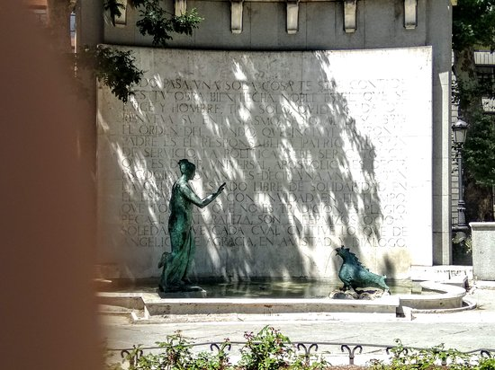 Eugenio d'Ors y Su Monument Enigmatico
