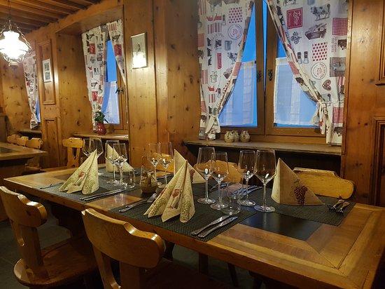 Zizers, Sveits: Restaurant Steinbock - Bündner Stube