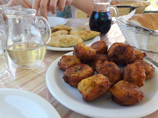 Агия-Фотия, Греция: The River Restaurant