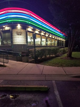 Boulevard Diner: 20180624_232313_large.jpg