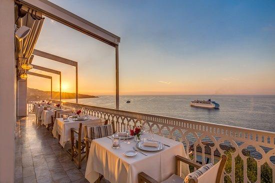 immagine Vesuvio Roof Restaurant In Napoli