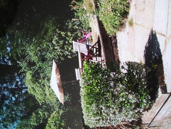 The Old Beams Inn: Superb garden setting