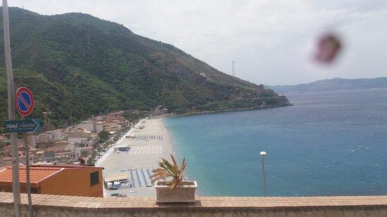 Castello Ruffo di Scilla: View of beach from castel
