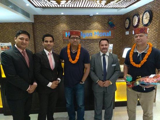 Best Western Himalayan Monal: Mr. Shailendra & Mr. Shereen Being welcome by Team Best Western Himalyan Monal