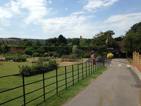 Stoke Park: Area of formal gardens