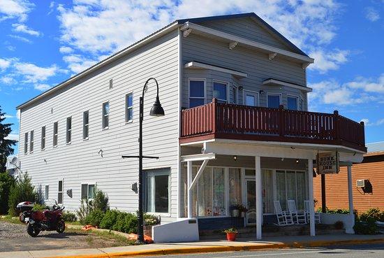 Bunkhouse Inn, Augusta, Montana