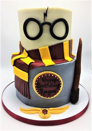 Surprising 2 Tier Harry Potter Themed Girls Birthday Cake By Flavor Personalised Birthday Cards Paralily Jamesorg
