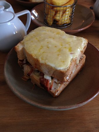 Northwold, UK: The Croque Monsieur, absolutely huge! and delicious!