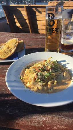 The Ferry Inn: Chicken and Chorizo pasta, with (at an additional cost) garlic ciabatta
