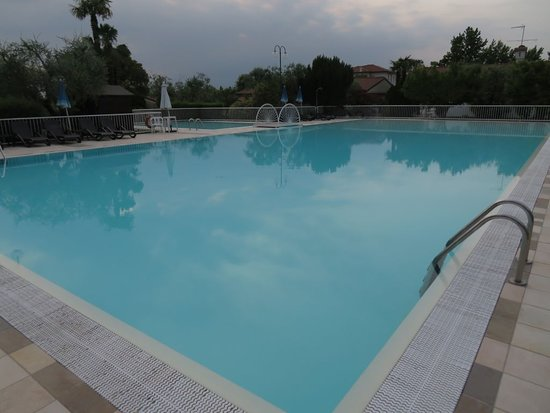 Hotel Villa Maria: very large pool