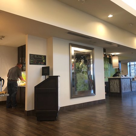 Hilton Garden Inn San Antonio-Live Oak Conference Center: A very moder and nice place with nice people...