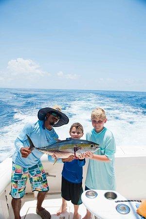 Fish Drake Bay - Reel Escape: Big tuna ;)