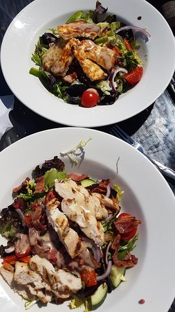 Queens Head Frodsham: Halloumi salad also Chicken and Bacon & beetroot quinoa and dressing