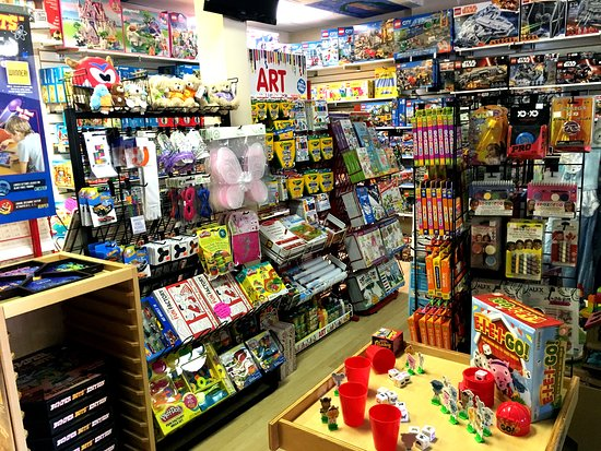 Erin, Canadá: Brighten Up offers the perfect blend of mainstream and specialty toys, games, puzzles and books