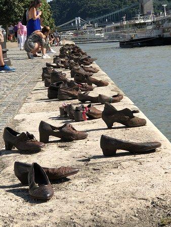 Budapest Best Apartments : Holocaust memorial