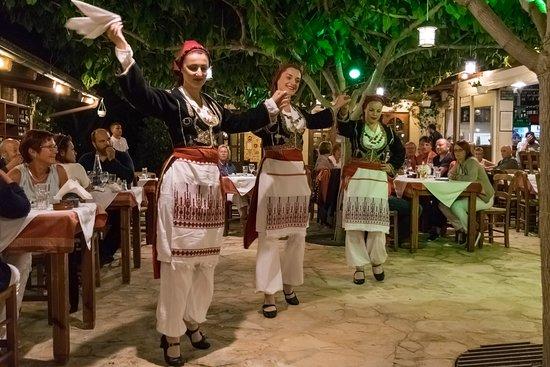 Poliou House: Dancers during Musical Thursdays
