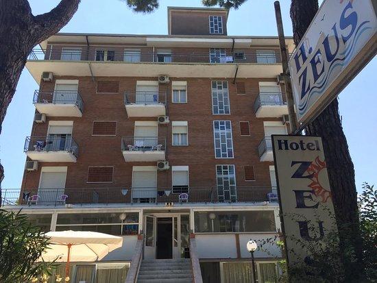 Hotel zeus pinarella prezzi 2019 e recensioni - Bagno italia giuliana ...