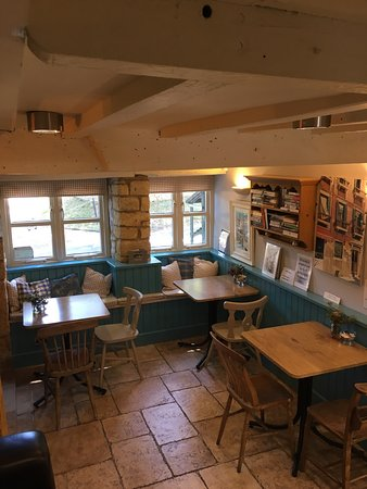 Longborough, UK: Fresh veg, local products and a new look cafe.