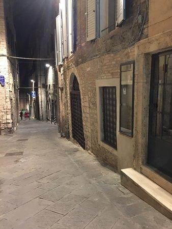 Ristorante Altromondo: Down this side street