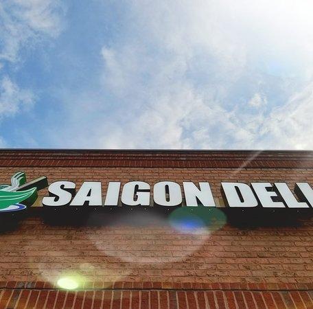 Oakwood, GA: Saigon Deli Street View