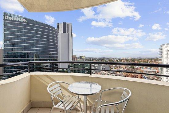 Mantra Parramatta: One Bedroom Apartment