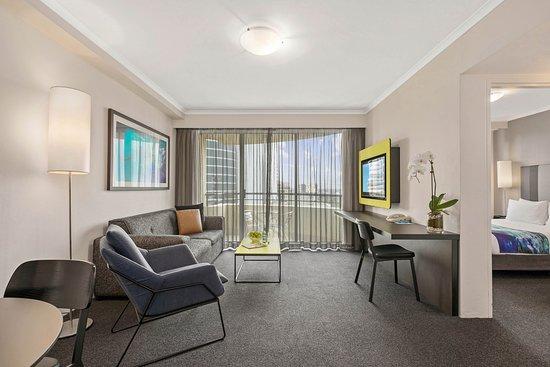 Mantra Parramatta: 1 Bedroom Apartment