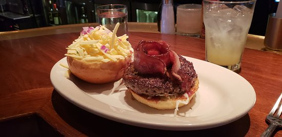 The White House Tavern: The daily special burger
