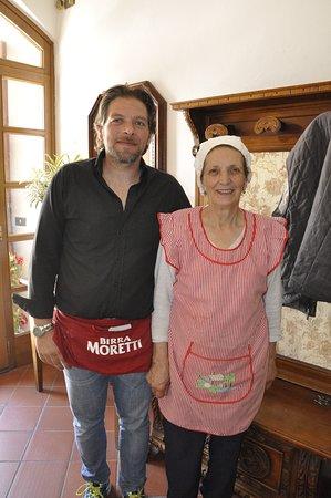 Ristorante Pizzeria L' Alpino: The chef and her son - Bravo!