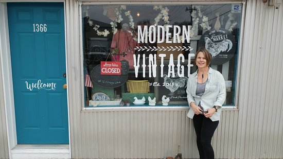 Modern Vintage of Nebraska: Welcome to Modern Vintage of Ne. Hope your stay in Lincoln is great!