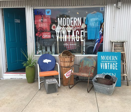 Lincoln, NE : A summer's day at the shop! #vintageLNK
