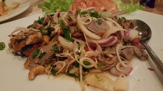 Pennant Hills, Australien: Big serve of Moo Yang pork stir fry