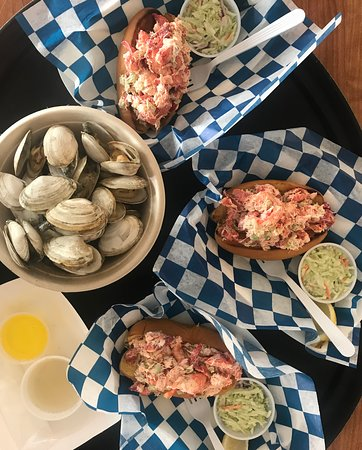 Hooked: Steamers and lobster rolls.