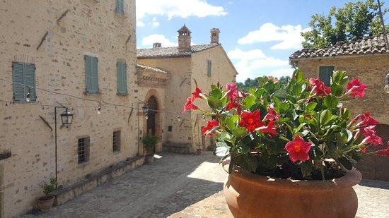 Cenerente, Italy: Borgo Colognola - Dimora Storica