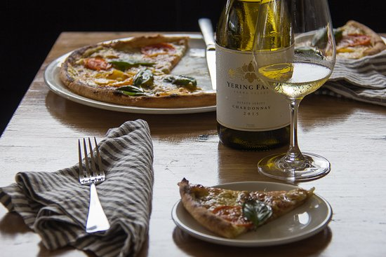 Plough Hotel: Hand made pizza's