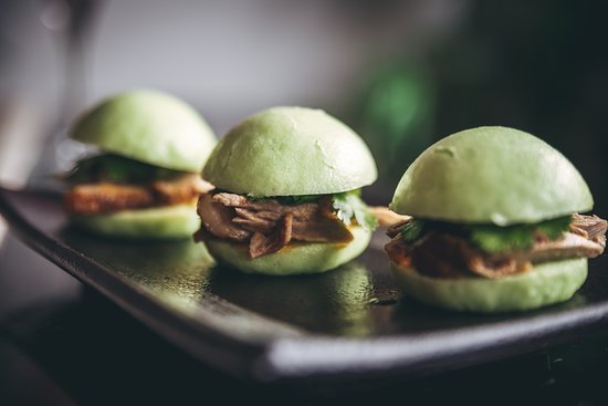 Roasted duck in home-made buns