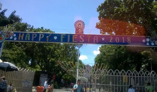 Redemptorist Church - National Shrine of Our Mother of Perpetual Help: ingresso del compound del santuario