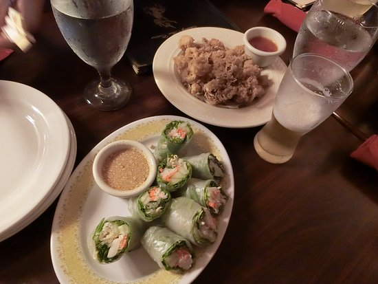 Charley's Thai Cuisine: カラマリと生春巻き