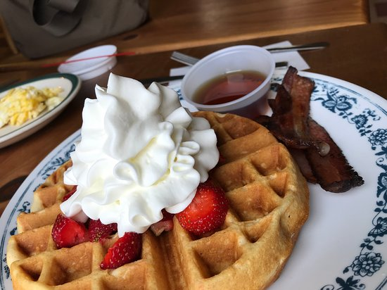 Bradford, VT: Weekend Waffle with Whip