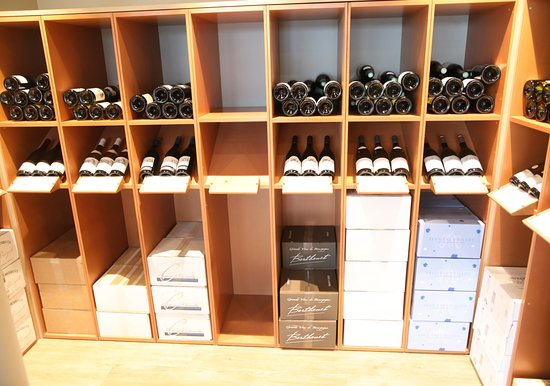 Restaurant de la Maison des Vins: Concept original, restaurant et boutique de vente de vins