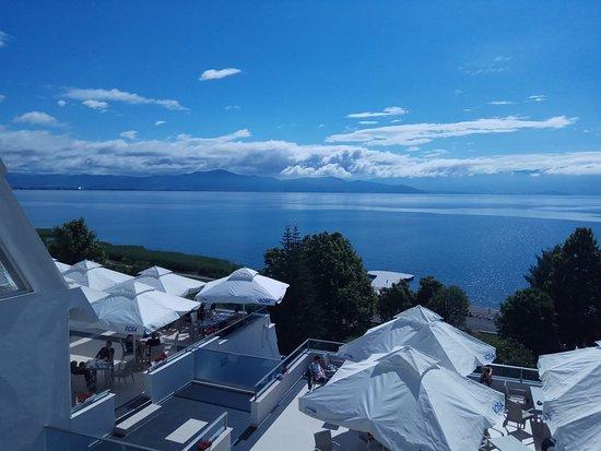 מלון מול האגם מלא טבע ורומנטיקה Amazing hotel