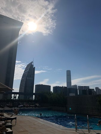 Sheraton Hong Kong Hotel & Towers: Rooftop Pool