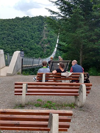 Hangeseilbrucke Geierlay: Benches to watch others cross.