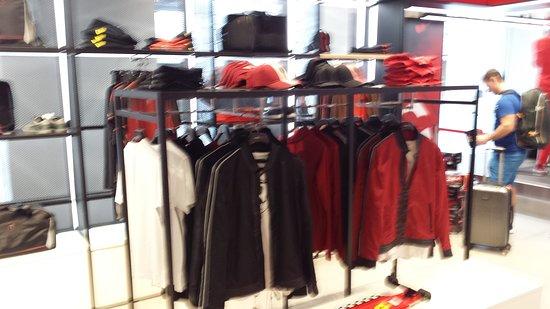 STORE F... - Picture of Ferrari Store 445781a1a