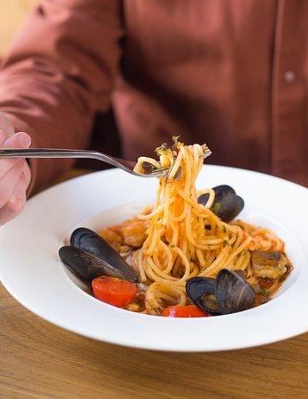 Four Cheeses: Паста с морепродуктами / Seafood Pasta