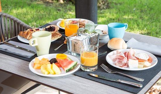 Best Western Hotel Turismo: colazione in giardino