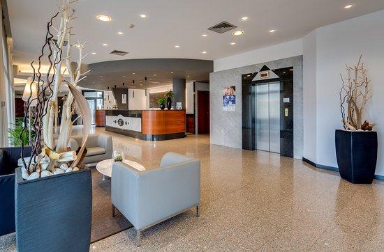 Best Western Hotel Turismo: lobby area
