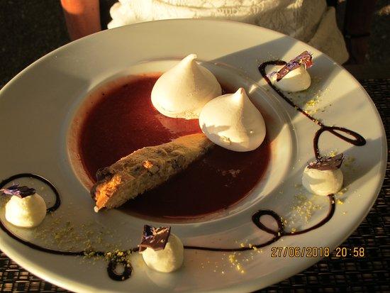 La Chanterelle: La Soupe de fraises