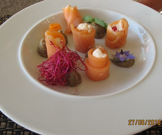 La Chanterelle: Les Aumônières de saumon farcies de faisselle