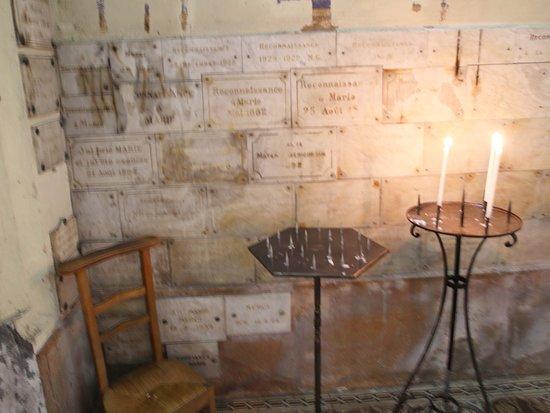 Cathédrale Saint Vincent: Les bougies brillent, tu peux allumer une petite veilleuse