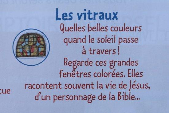Cathédrale Saint Vincent: Les vitraux : Regarde ces grandes fenêtres colorées